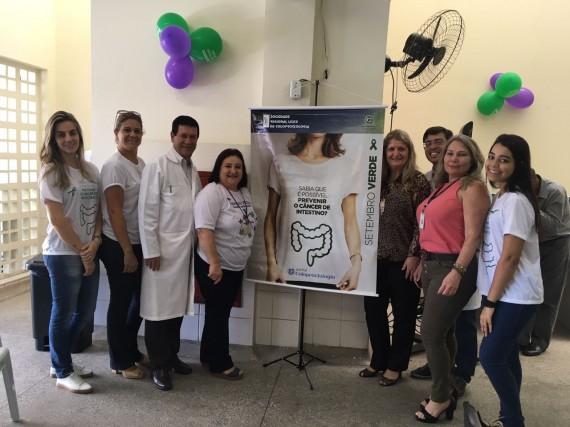 Equipe do Hospital Dório Silva (ES) apoia o Setembro Verde